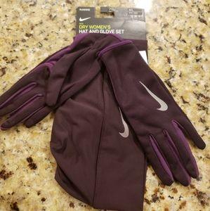 NIKE Dri-Fit Lightweight Women's Hat & Gloves set
